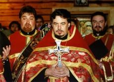 Архимандрит Маркелл (с 2006 года епископ Царскосельский) на молебне в день открытия храма