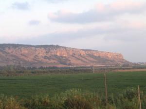 Гора Кармель, на которой пророк Илия посрамил жрецов Ваала, сведа огонь на облитый водой жертвенник